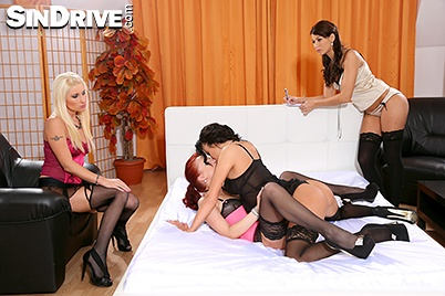 Four cfnm babes working on cock to get cum 9